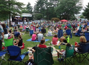 Summit_NJ_summer_concert_series_music_with_people